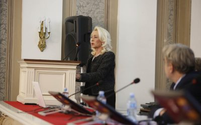 др Александра Крстић-Фурунџић